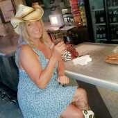 Krushme - milf dating Champaign Milfs, IL